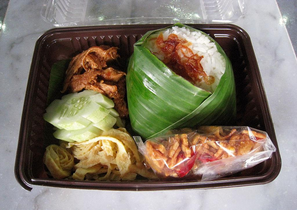 10 Indonesian food that you need to eat in Indonesia